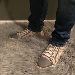 Gucci Mens Shoes Size 9/Gucci Mens T-shirt Size L